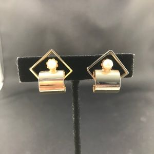Vintage gold tone geometric shaped clip earrings